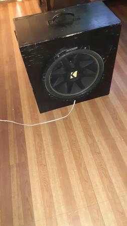 Photo 15 inch kicker comp sub 1000 watts - $75 (lubbock)