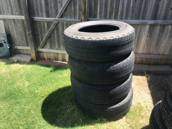Photo 18 inch tires - $100 (Wolfforth)