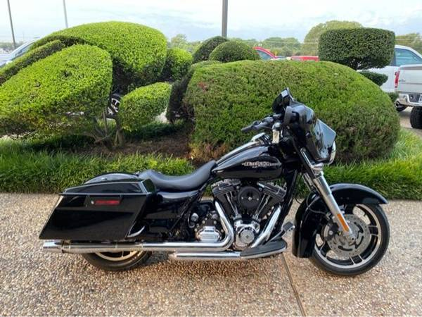 Photo 2013 Harley-Davidson FLHX Street Glide - $10,988 (Harley-Davidson FLHX Street Glide)