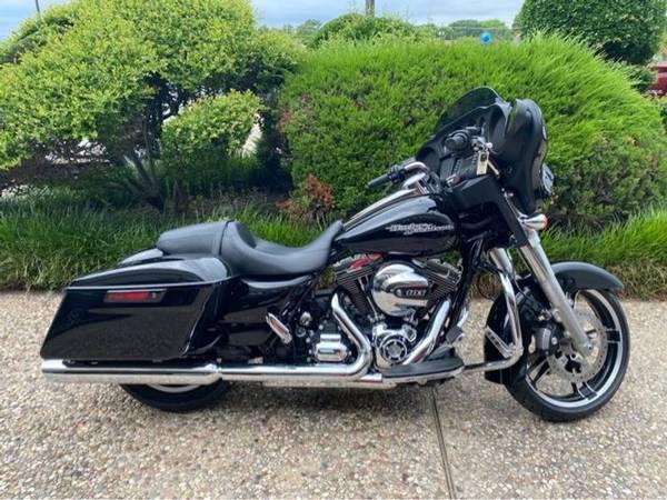 Photo 2014 Harley-Davidson FLHX Street Glide - $17,993 (Harley-Davidson FLHX Street Glide)