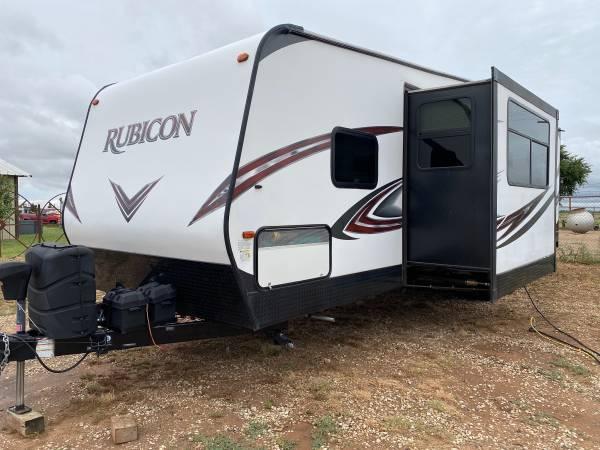 Photo 2018 Dutchmen Rubicon RB3300 Bumper Pull Toy Hauler - $35,500 (Lubbock)