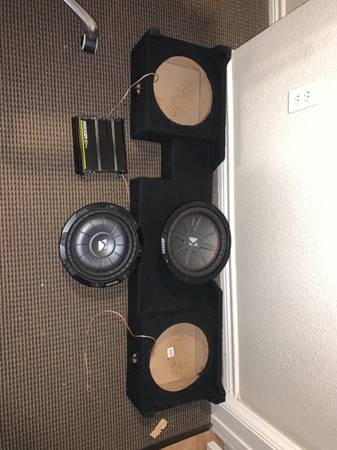Photo 2 (10) kicker subwoofers, 1200w kicker , already wired sub box - $300 (Lubbock)