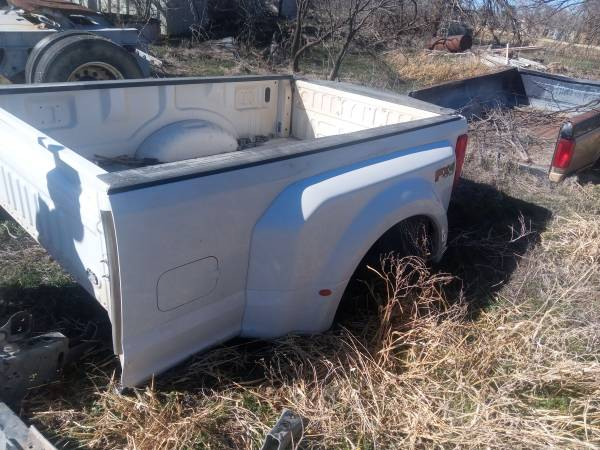 Photo Ford dually bed - $850 (Lubbock)
