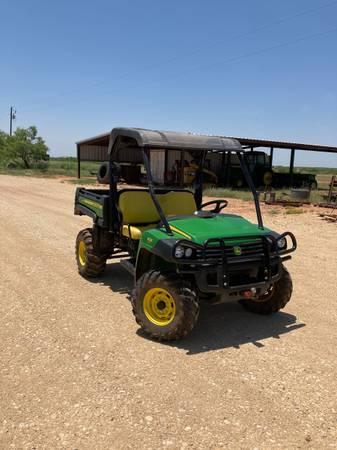 Photo John Deere Gator - $8,200 (Colorado City, TX)