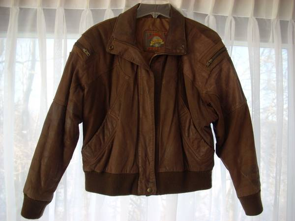 Photo Like New. Mens.. Adventure Bound Brown Leather Bomber Jacket size M - $50 (Lubbock)