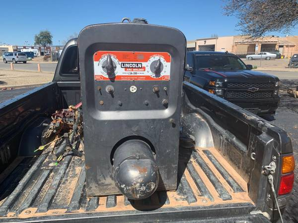 Photo Lincoln SA 200 arc welder - $4500 (Lubbock)