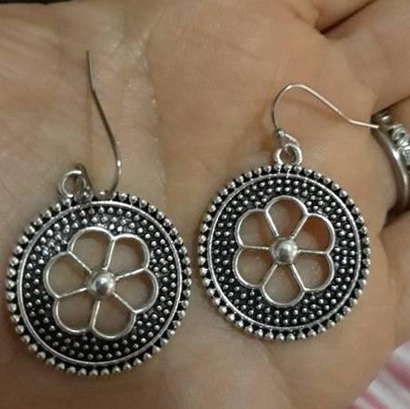 Photo NEW James Avery Style Bohemian Dangle Silver Earrings - $20 (Lubbock)