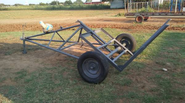 Photo Round Bale Buggy  3-Point Mount Bale Mover All In One - $850 (Levelland, Texas)