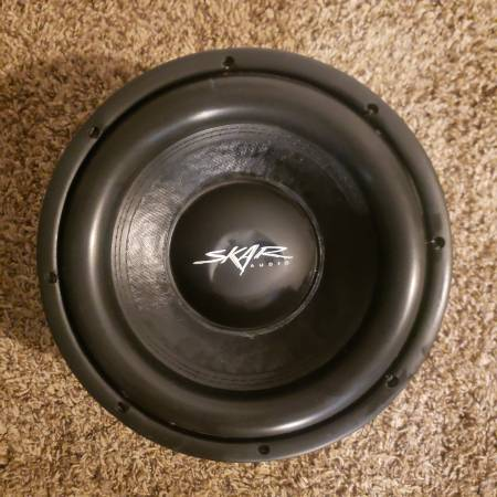 Photo Subwoofer SKAR AUDIO - $30 (west lubbock)