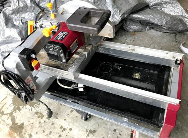 Photo 10quot 2.5HP TileBrick Saw - Chicago Electric - $180 (Forest)