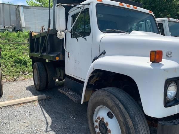 Photo 1987 International Dump Truck - $4,500 (Lynchburg)