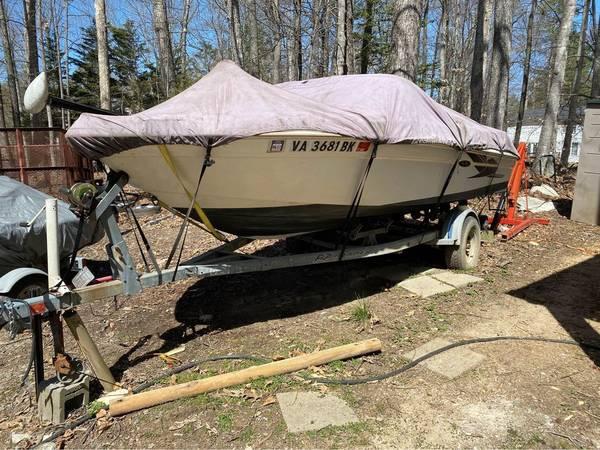 Photo 2000 Searay Sea Ray 180 needs work bowrider bow rider skiboat - $2,700 (Ruther Glen)