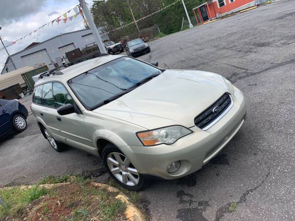 Photo 2006 Subaru outback all wheel drive - $3300 (Madison Heights)