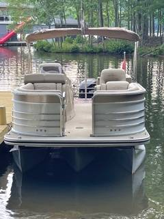 Photo 2015 Lowe Infinity 250 Tritoon RFL - $45,000 (Lake Anna, Bumpass VA)