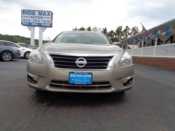 Photo 2015 Nissan Altima Low Miles Back UP Camera Clean Carfax 1 Owner - $7995 (Lynchburg VA)