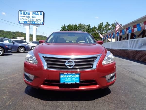 Photo 2015 Nissan Altima One Owner Backup Camera Mint Condition - $7995 (Lynchburg VA)