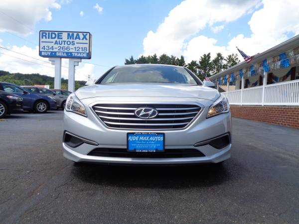 Photo 2017 Hyundai Sonata 1 Owner Low Miles Under Manufacture Warranty Mint - $13595 (Lynchburg VA)
