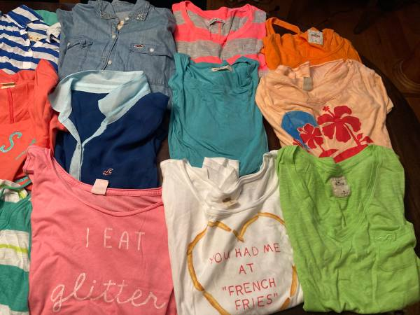 Photo 20 Hollister Shirts Size M - $50 (Forest)