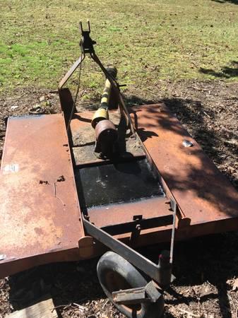 Photo 5 ft j bar bush hog. And Massey. Grain drill - $495 (Keysville va)