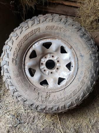 Photo 7 lug Ford rims - $300 (Gladys)