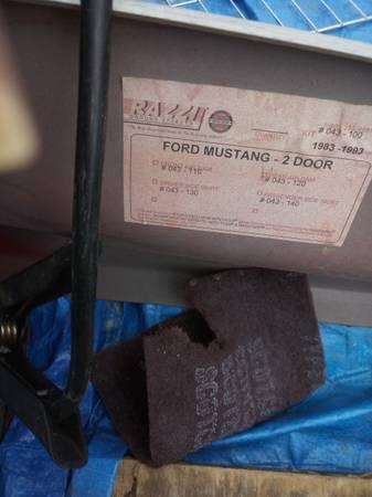 Photo 83 to 93 Mustang parts - $400 (Rustburg)