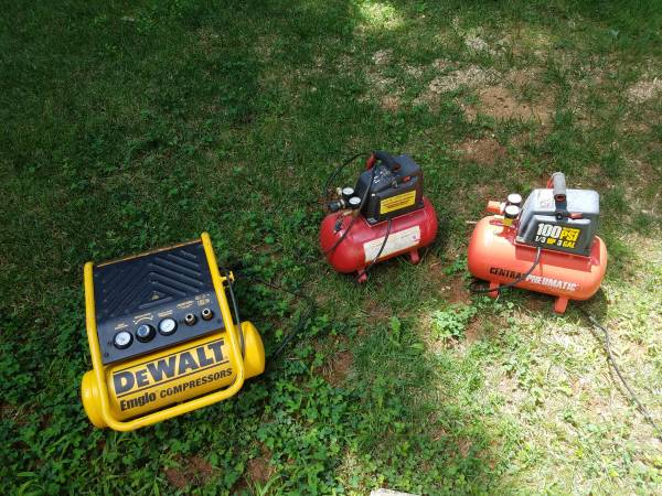 Photo Air compressors for parts of repair - $25 (Forest)