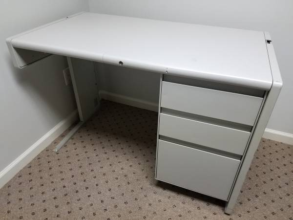 Photo Desk with 3 drawers - $50 (Lynchburg)
