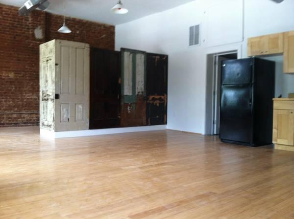 Photo Downtown Loft Apt. for rent (514 Fifth St. Lynchburg, VA)