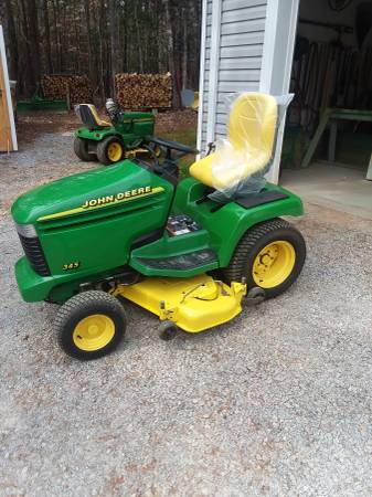Photo John Deer 345 - $2,500 (Skipwith)