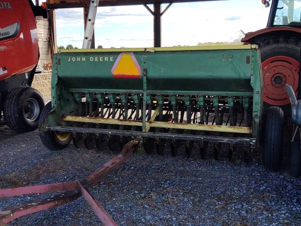 Photo John Deere Seed Drill - $3,900 (Gladys VA)