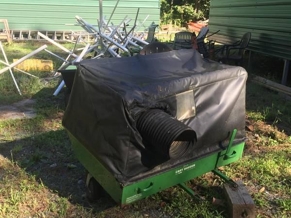 Photo Leaf - Grass Bagger Cart - $300 (Lynchburg)