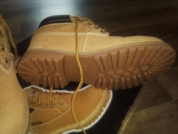 Photo Mens Work Boots - $40 (Bedford)