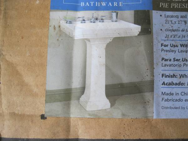 Photo Pedestal Bathroom Sinks - $75 (amherst)