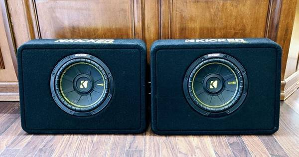 Photo Set Of Kicker Comp C 10 Speakers In Ported Truck Boxes - $269 (Lynchburg)