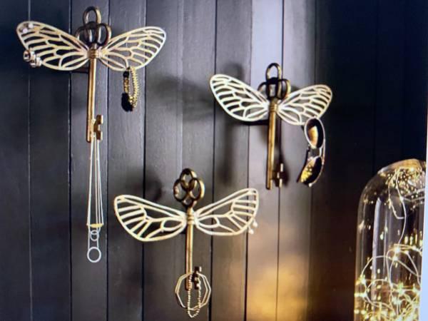 Photo Set of 3 Pottery Barn Teen Harry Potter Flying Key Jewelry Hooks - $60 (Crozet)