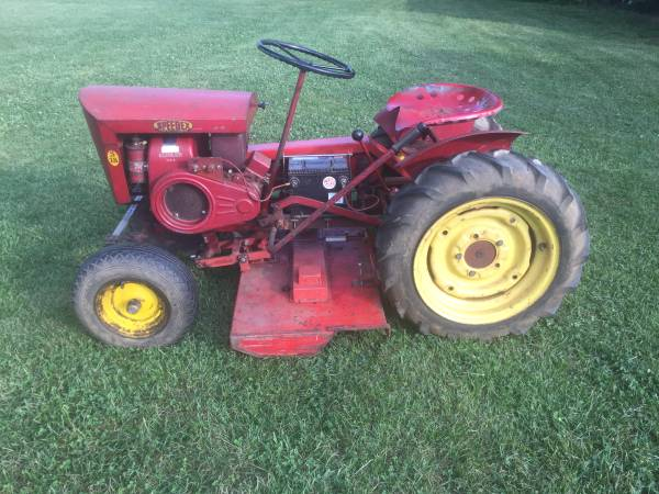 Photo Speedex S-18 garden tractor with mowing deck and snow plow - $899 (Lexington)