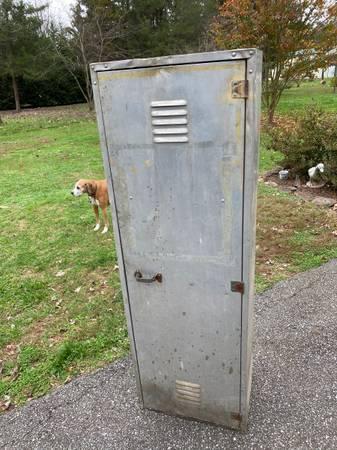 Photo Used Aluminum locker - $40 (Rustburg)
