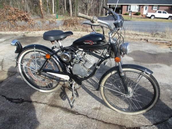 Photo WHIZZER Motorbike - $650 (Lynchburg)