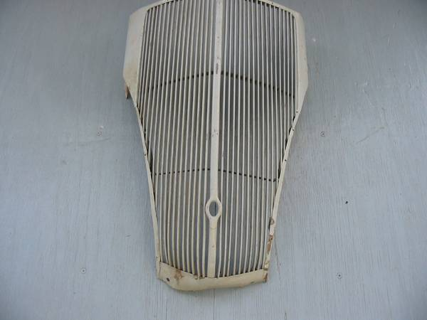 Photo 1936 Ford passenger car grille - $350 (WINTER HAVEN)