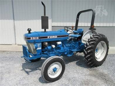 Photo 1978 Ford 3910 Tractor - $8,000 (Macon)