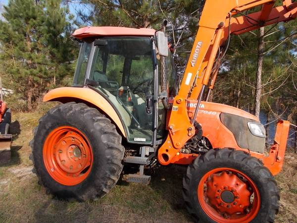 Photo 2013 Kubota, Cabbed-up with Cold Air, 4x4, Kubota bucket and Forks (CLYO)
