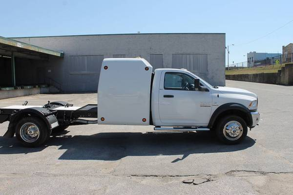 Photo 2016 Dodge Ram 5500 4X4 CAR HAULER-HOT SHOT RIG-6.7 CUMMINS DIESEL-SLEEPER CAB-R - $34500 (memphis, TN, Tennessee)