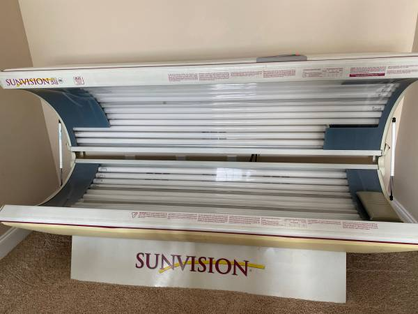 Photo 28 bulb Sunvision Pro Tanning Bed - $500
