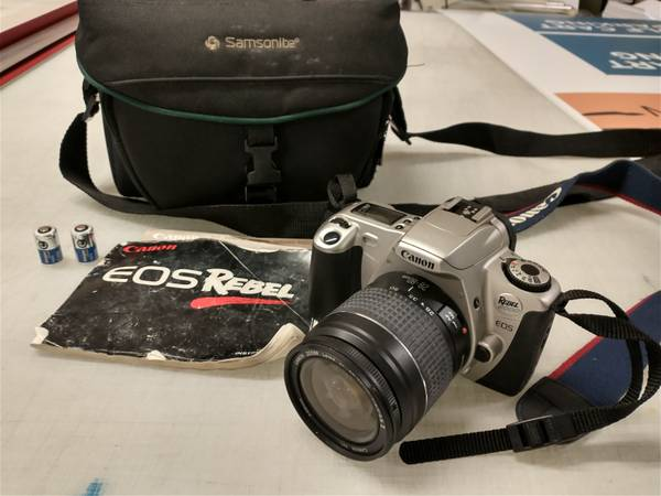 Photo Canon EOS rebel 35 mm film cameras with accessories - $25 (Gwinnett)