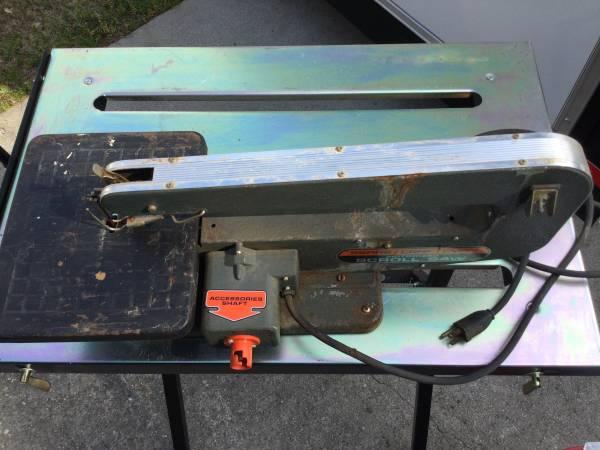 Photo Craftsman Scroll saw w accessory drive - $35 (Statham)