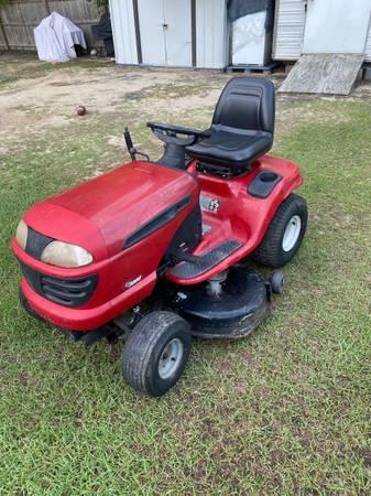 Photo Craftsman mower - $375 (Macon Ga)