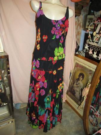 Photo Dress Size 12 New Directions Long Black Flowers - $15 (MACON)