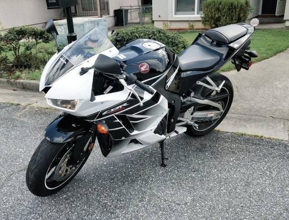 Photo Honda CBR 600 RR - $7,000 (Grovetown)