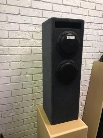 Photo JL Audio 6W3V3 Subs Im Custom Box - $300