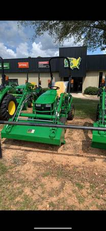 Photo John Deere 1025R - $16,999 (Macon)